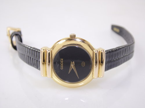 6cd8618fe55 ... Gucci 5300L Womens Swiss Luxury Designer Quartz Watch ETA 978.002.  SAM 1642.JPG