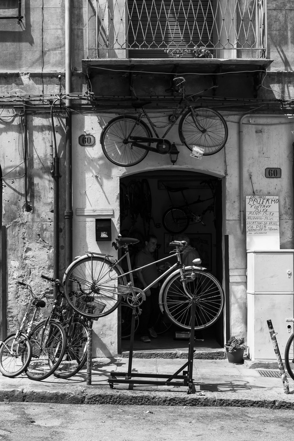 Bicycle repair shop, Palermo