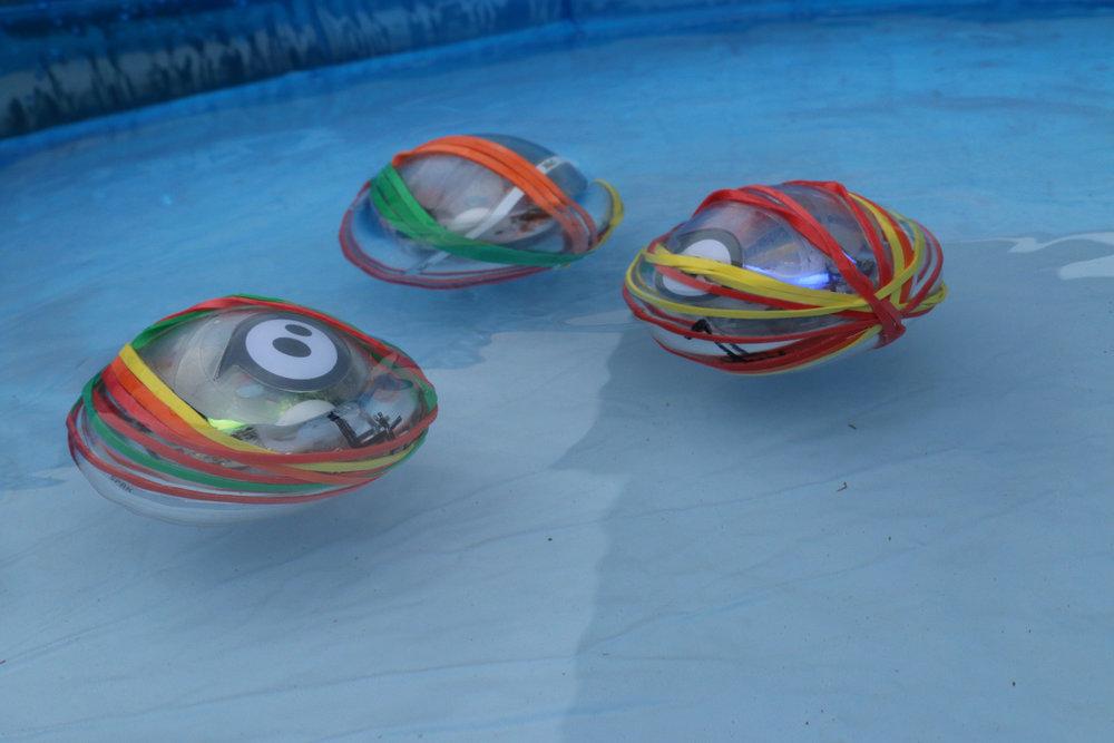 sphero_swimming
