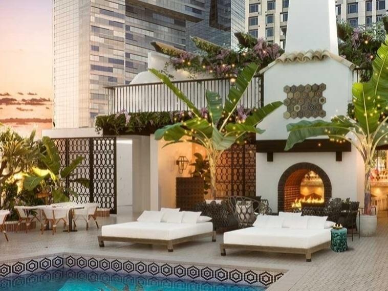Hotel Figueroa   939 S Figueroa St., Los Angeles, CA 90015