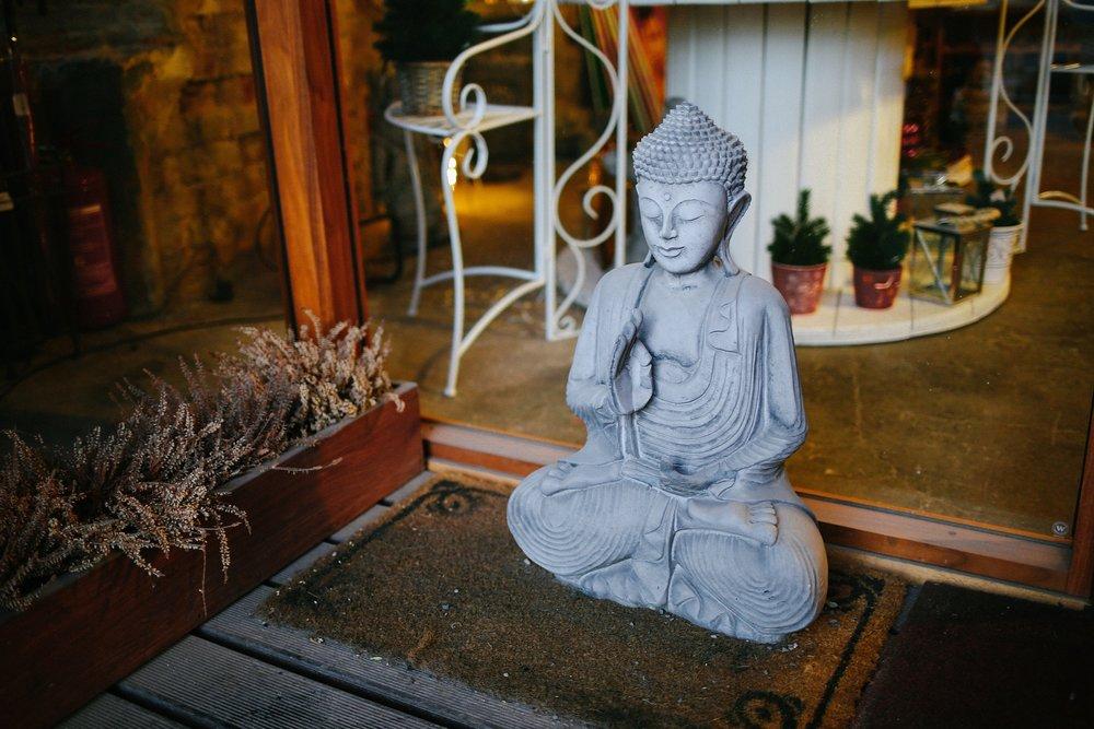 buddha-1246654_1920.jpg