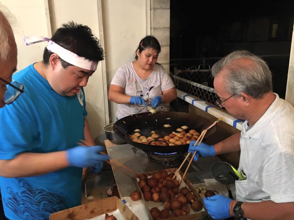 Kailua Hongwanji's famous andagi at last year's Obon