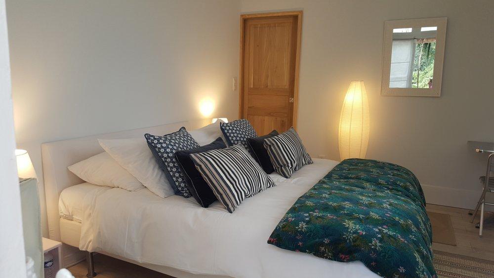room 5a __ chambre tourmaline 5a suite de 3 chambres pavillon de chasse __ 20180915_144713_resized.jpg