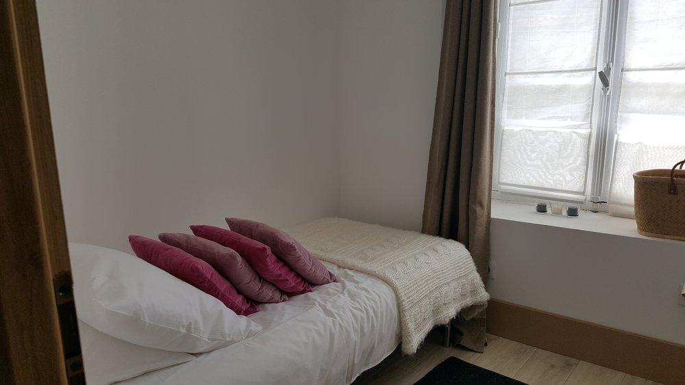 room 5c __ chambre petite chambre 5c suite du pavillon de chasse __ 20180915_145205_resized.jpg