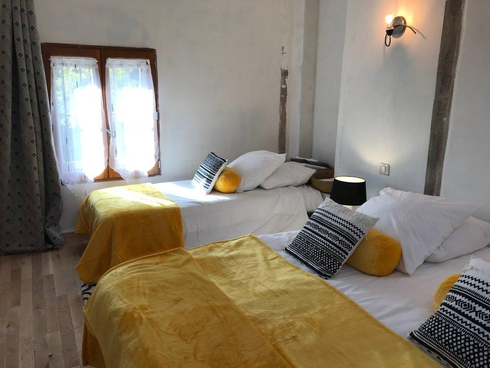 room 6 IMG_5749.jpg