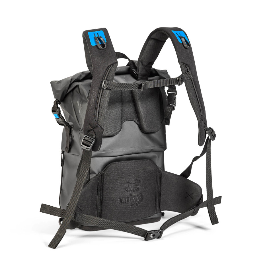 Agua-Stormproof-Backpack_back-952x952.jpg