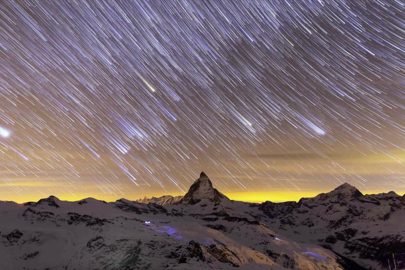 13_portfolio_Matterhorn Startrails-2.jpg