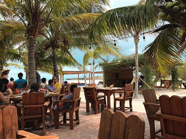 If you're in Turks & Caicos, you NEED to eat lunch at Bugaloos. The food is epic and the views are some of the best in Turks #Bugaloos #provo #turksandcaicos #lunchbreak
