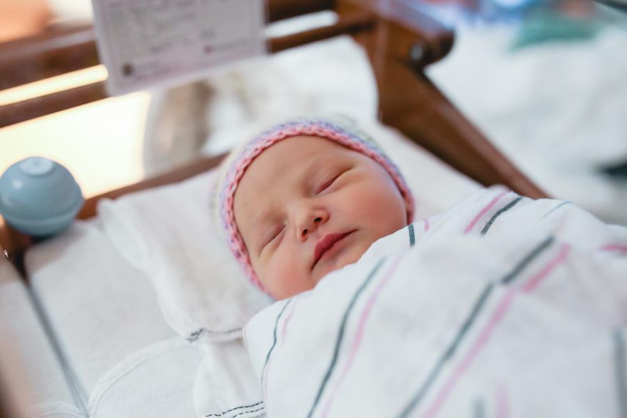 Indianapolis Newborn Lifestyle Photographer