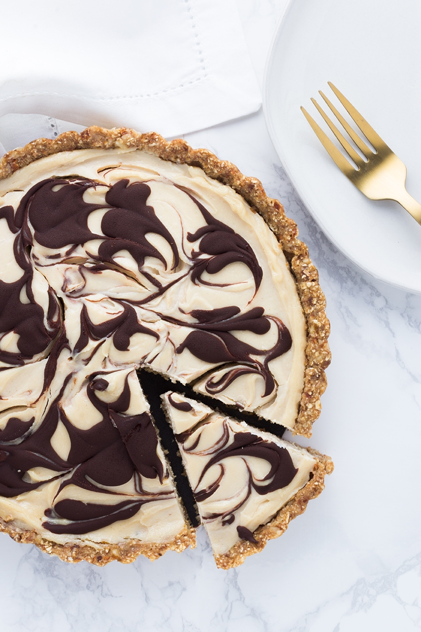 When it's so hot that even looking at the oven seems like too much, try this no-bake Tahini & Chocolate Greek Yogurt Tart.