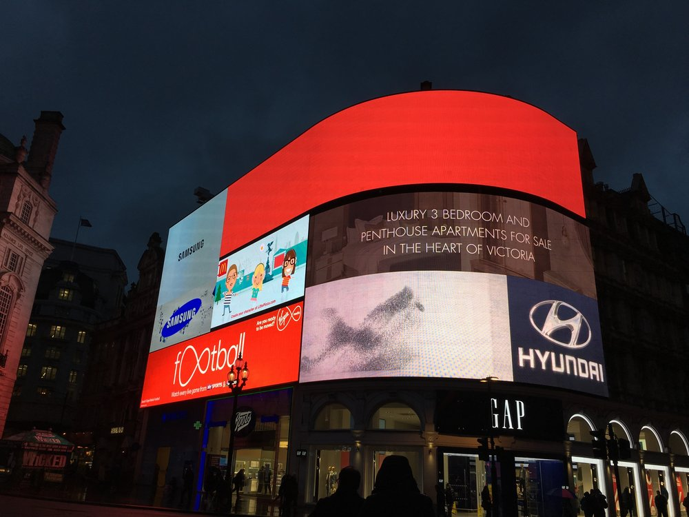 london-west-end-tour-piccadilly-circus-trafalgar-square.jpg