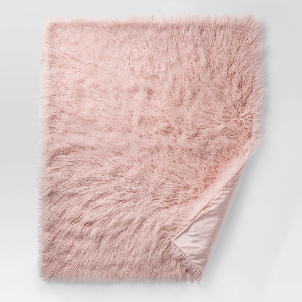 FAUX FUR BLANKET... - because these are soft, warm, and pretty to look at