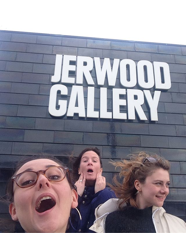 RIDICULOUSLY EXCITED TO ANNOUNCE WE'LL BE WORKING WITH @jerwood_gallery during the PAULA REGO exhibition!! Aside from doing business this week in Hastings we've mostly been, eating chips, drawing, getting blown about and watching Gladiators...HASTINGS, ARE YOU READY?!?! #jerwoodcollection #paularego #drawing #hastings #london #art #workshops #artclass #ldg #gladiators #chips