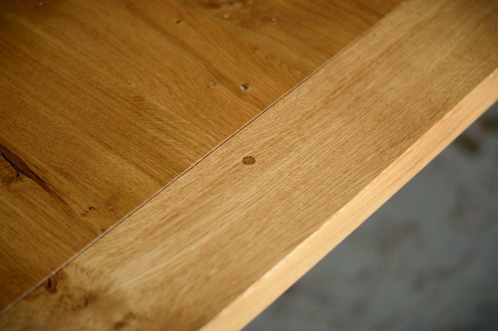 oak table breadboard end