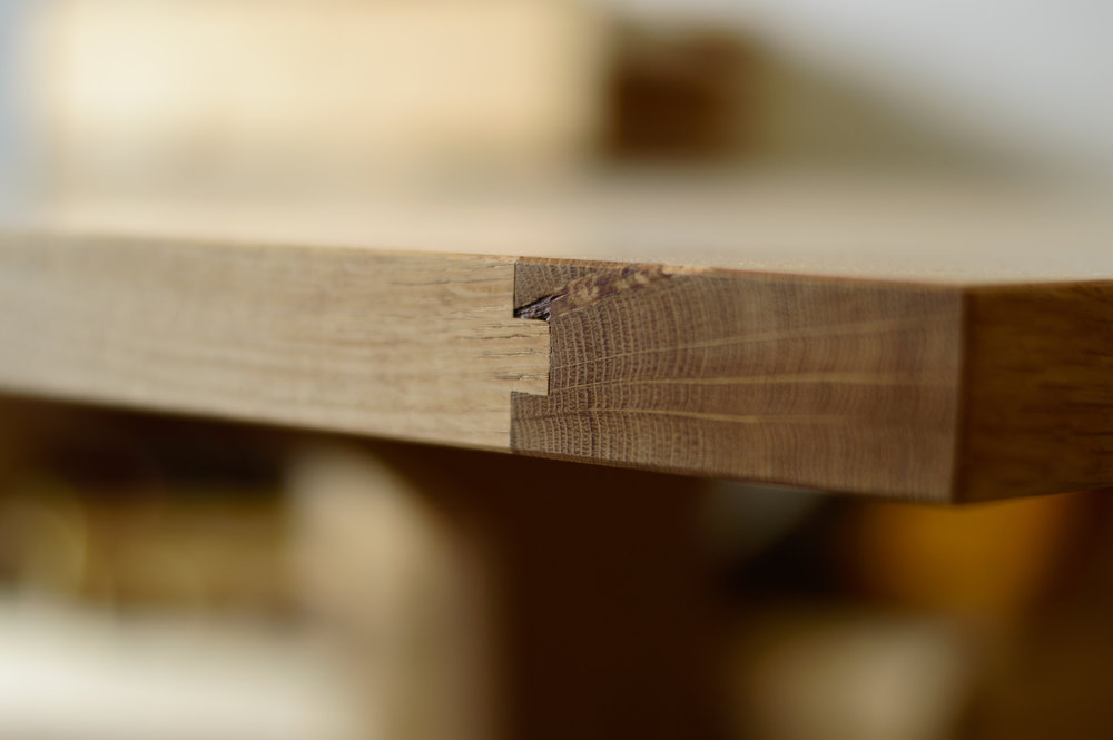 oak table breadboard detail