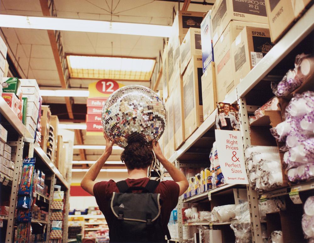 19_Chong_Dale_DiscoGoestotheMarket.jpg
