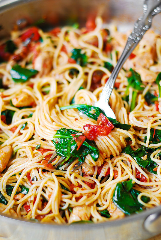 Tomato Spinach Chicken Spaghetti -