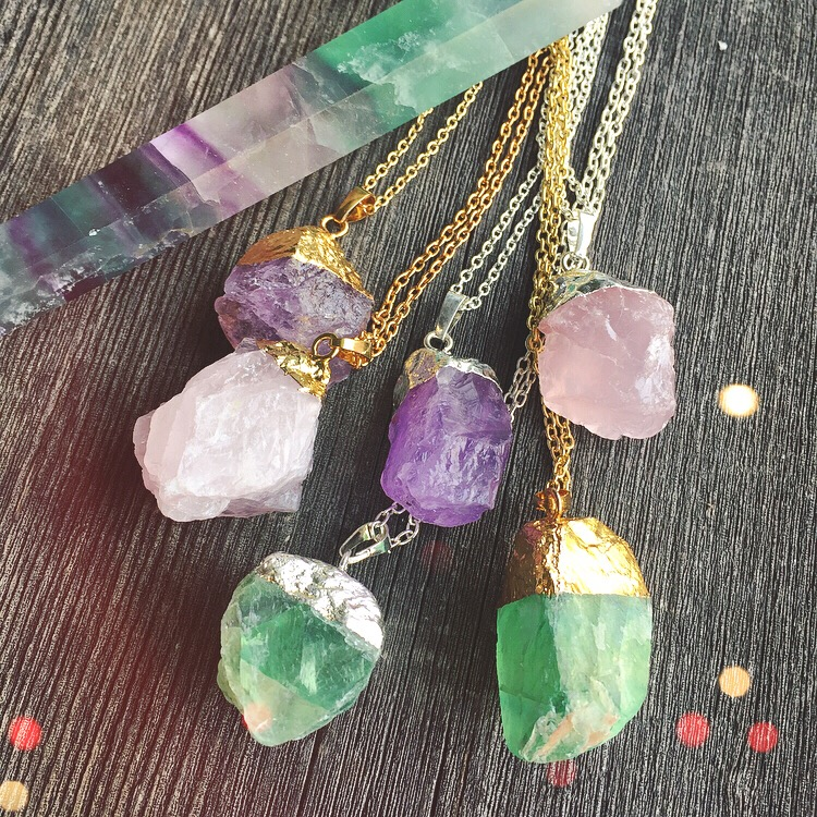 RAW CRYSTAL PENDANT NECKLACES