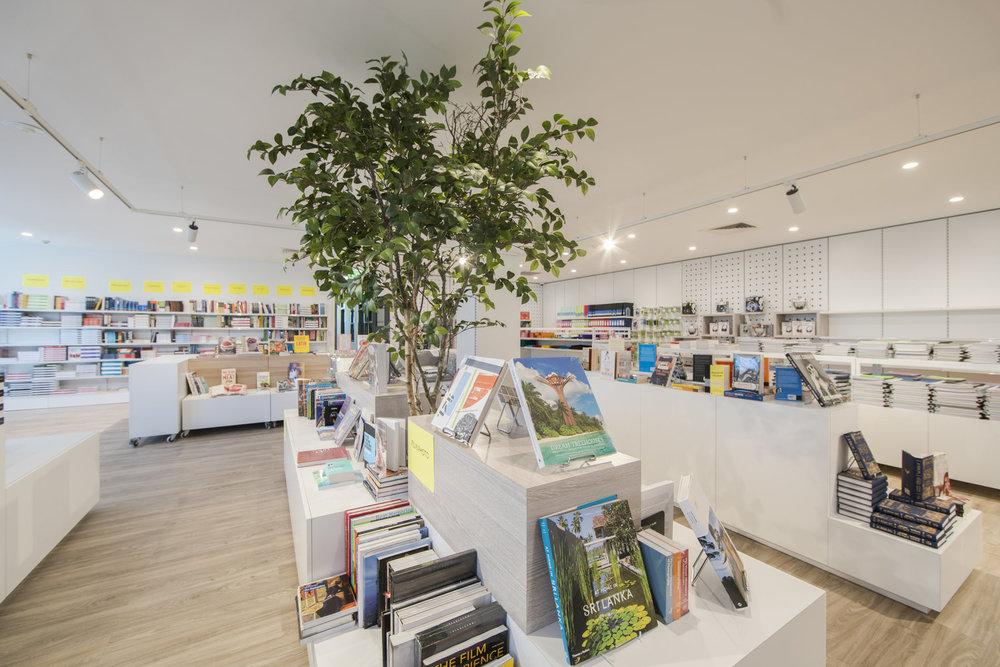 Monash Caulfield Bookshop__DSC0102.jpg
