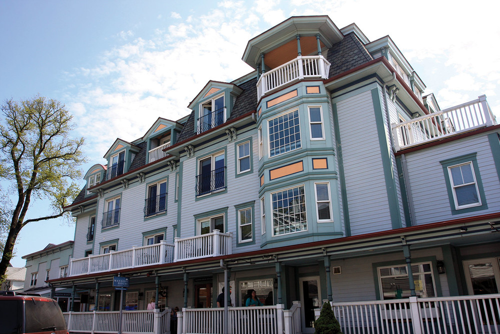 MANSION HOUSE--(TISBURY)  (508) 693-2200 Participants of MV Marathon to Enjoy 15% off all room rates/  Too special to do on line, please call800 332 4112 or   508 693 2200 Established in 1791 and rebuilt in 2003, guests enjoy free, complete use of our Vineyard Haven health club complete with over 20 classes including yoga & Pilates, pool & spa. Guest rooms range from deluxe rooms and suites offering soaking tubs, flat-screen TVs, fireplaces and balconies with views of Vineyard Sound to Queen Bed rooms with Juliet balconies and village views.  Vineyard Haven Bus Shuttle:  .25 miles   Finish:  5 miles (bus transportation provided from finish to Vineyard Haven)