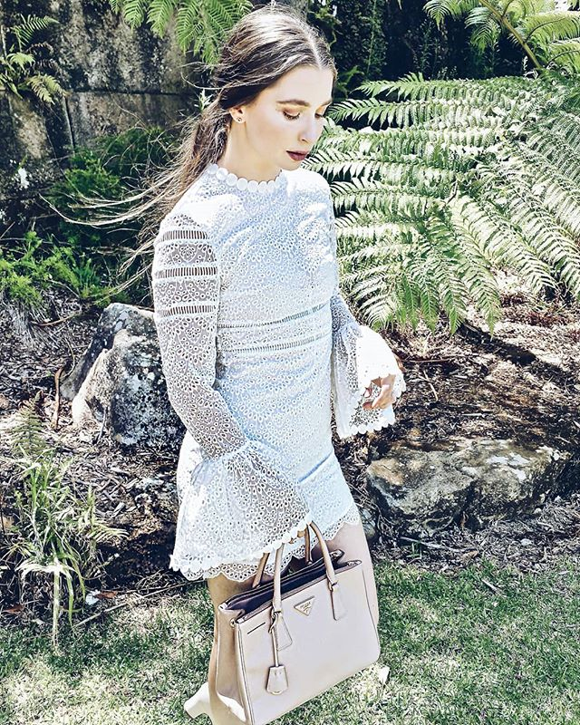 Happy Wednesday everybody 😇 Hope you are all starting your day off just right by listening to your favourite tune 🎶🎵 . . . . #musicblogger #musicreview #fashionblogger #fashionblogger #sydneystreetstyle #sydneybloggers #lace #dress #pandoraaustralia #prada #wittner #tartecosmetics #highteatime #mosman #gunnersbarracks #sydneyfashionstyle #fashionpost #music #songchoice #naturelovers #outdoorliving #musicbloggers #fashionbloggerstv #stylehacks #newpostup