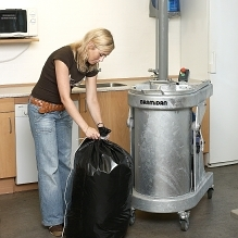 The bag press can be placed in rooms even with low ceiling height.