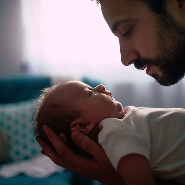 #Dads love #doulas! With our help, you can relax and focus on your new #family without the pressure of having to remember everything from the books about #pregnancy, #birth, or #postpartum. #doula #NewOrleans #nola #baby #snuggles