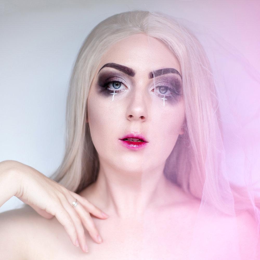 Ghost-Halloween-Makeup