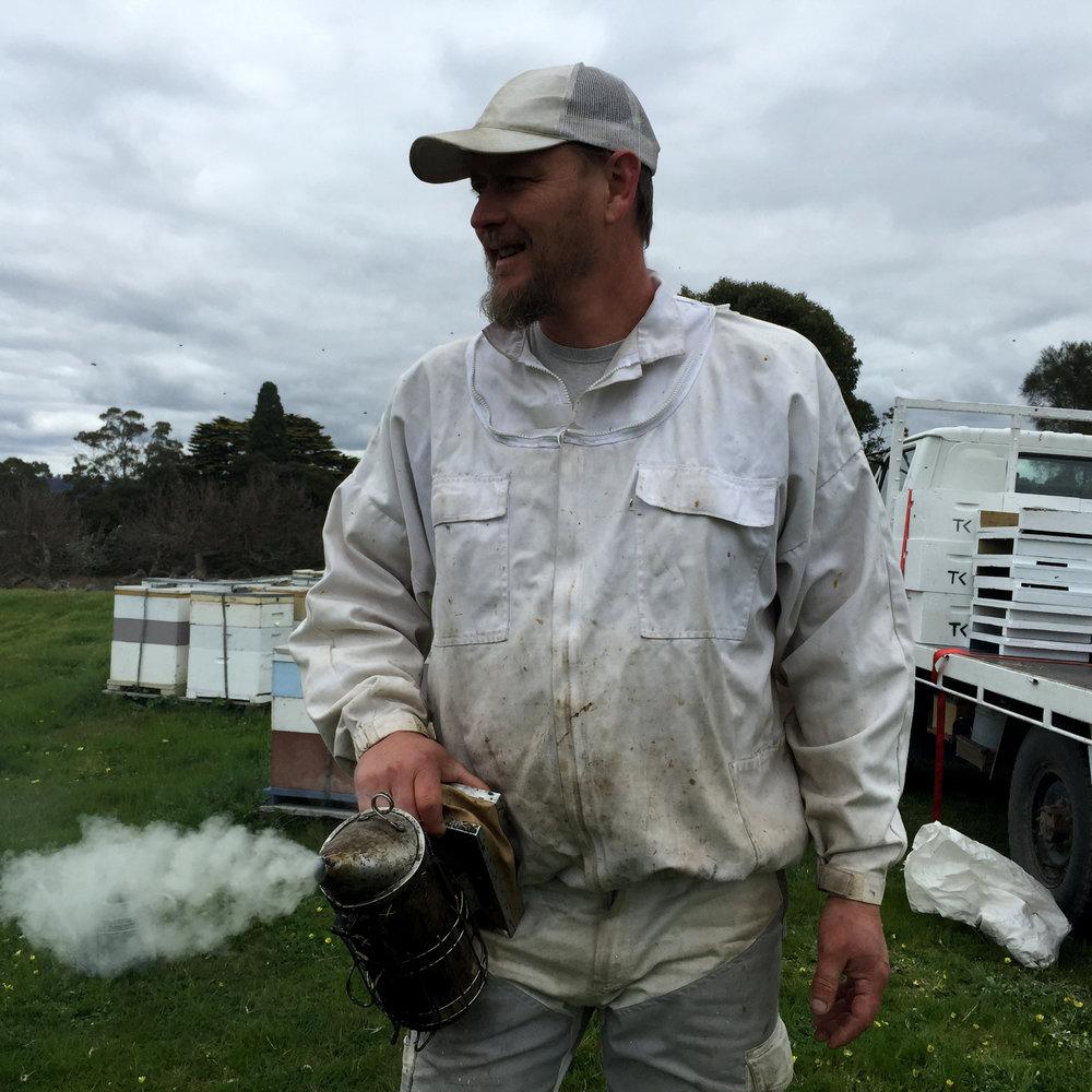 beekeeper paperbeach