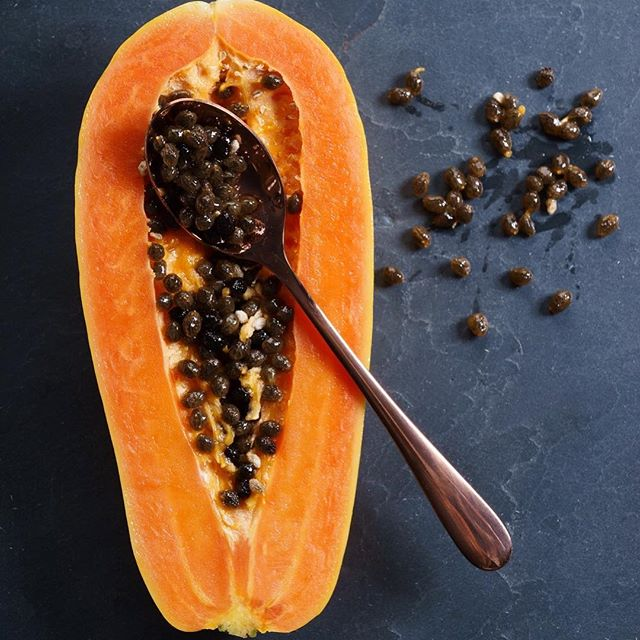 AMAZING PROPERTIES OF PAPAYA SEEDS **Pregnant women should not consume papaya seeds** Our liver is working 24 hours a day to filter out everything that we take in -- including toxins. Keeping our liver detoxed and supporting it with good nutrition is the key to keeping our body running well.  Both papaya and papaya seeds contain an enzyme called papain, which is a very powerful cleanser. You can add papaya seeds to your smoothies, or you can dry them out in the sun or your dehydrator, and grind them up in a pepper mill. They are very spicy like black pepper, but have incredible healing properties.  In addition to helping with liver detox, papaya seeds are natural anti-parasitics, anti-bacterial, and an AMAZING digestive aid.  Papain is similar to the protein digesting enzymes produced by the pancreas, and they have been shown to dissolve the protein coating that forms around cancer cells and help the immune system to destroy them more easily.  Papayas also contain an enzyme called chymopapain, a powerful proteolytic enzyme which also breaks down protein from food into amino acids.  Papain and chymopapain also protect the body from inflammation and can help heal burns and reduce scars on the skin. 🌴🌴🌴 JOIN OUR INCOMING CLASS OF HMI STUDENTS! Link in Profile.
