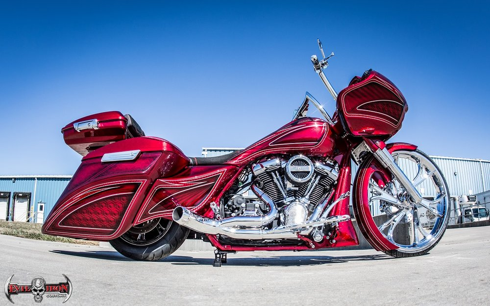 RED BAGGER-EVIL IRON CUSTOMS-PAYNE PRODUCTIONS.jpg