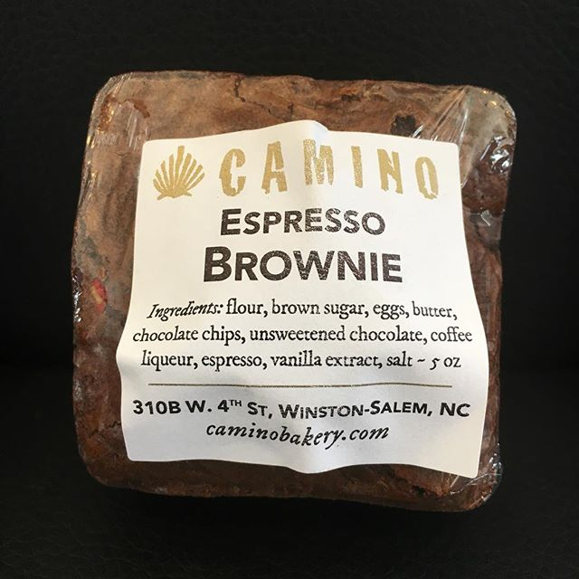 Espress-yo! Camin-yo! #espressobrownies  #bakery #followyourcamino And these babies also come in #glutenfree