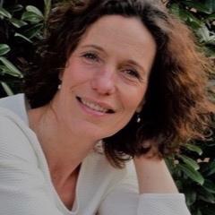 Wilma van Gelder   Yoga & Qigong