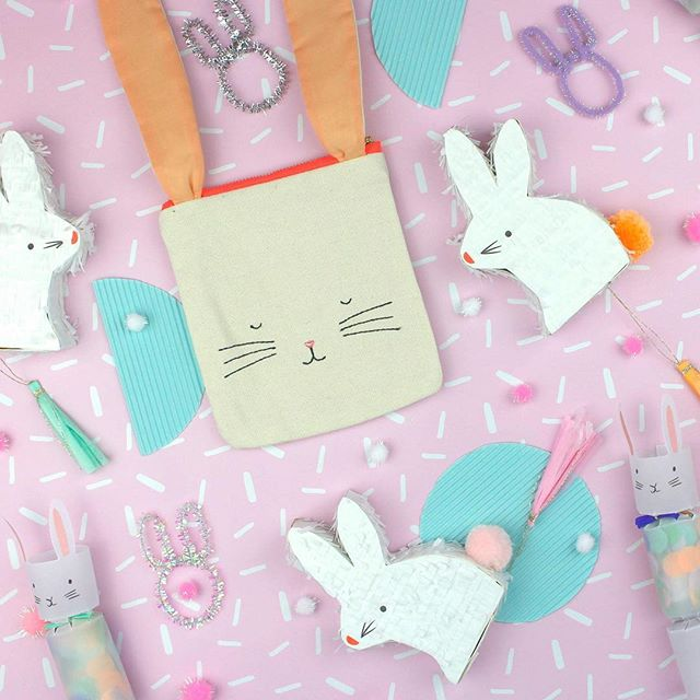 Happy Easter from the runway family to your cute families 🐰💖 How cute are these goodies from @mr_mrsjonesgiftware 🙌🏻 this cute flatlay styled by our fav @bonniekaythestylist 💖  #mrandmrsjones #mrandmrsjonescollab #merimerieaster #merimeri #bonniekaythestylist