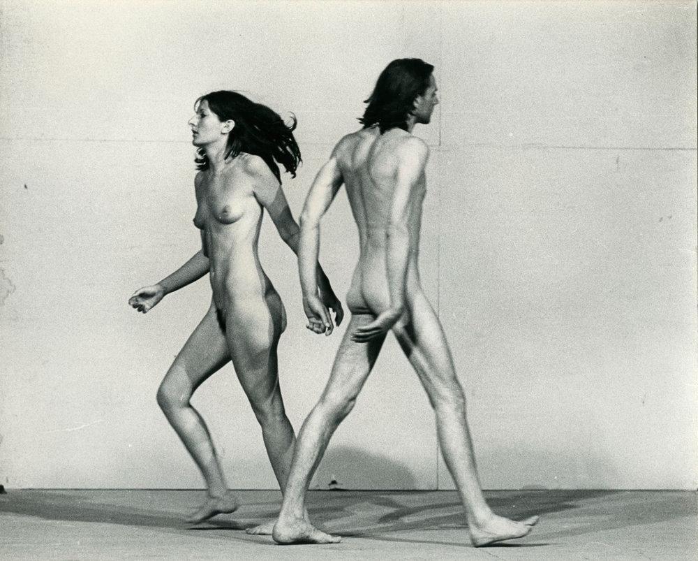 Ulay/Marina Abramović, Relation in Space, 1976 Performance 58 minuter XXXVIII Biennale, Giudecca, Venice, juli, 1976. Foto: Jaap de Graaf. Courtesy of the Marina Abramović Archives © Ulay / Marina Abramović