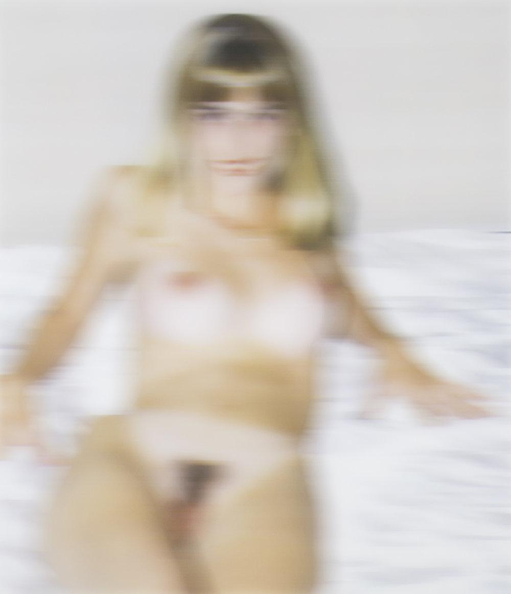 Thomas Ruff   Nudes ama 01 (NUD020)  2000 C-print 148 x 130 cm