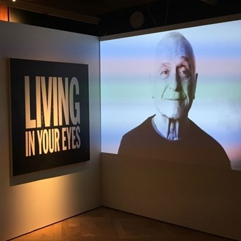 Michael Stipe från R.E.M. hyllar sin mentor John Giorno | P1, Kulturnytt December 7, 2016