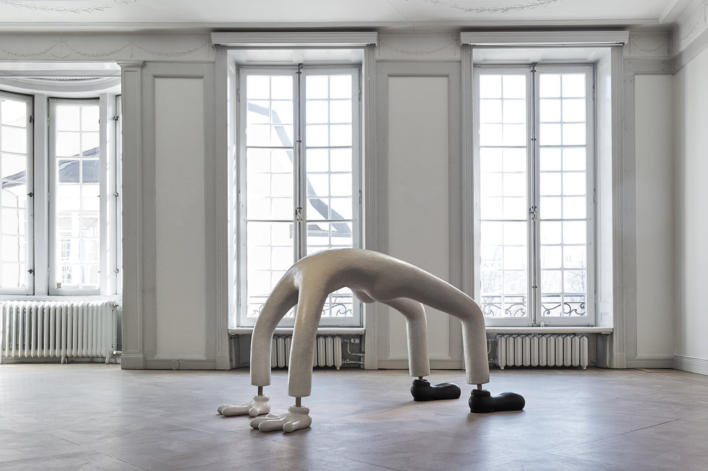 Lauren Davis Fisher   Body Sculpture  2017 Mixed media and ceramics 152,5 x 61 x 86,5 cm