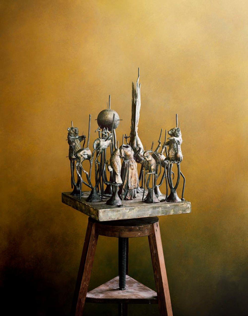 Denise Grünstein   The Cast, 2018  Skulpturgrupp på kavalett  165 x 38 x 38 cm Edition 3