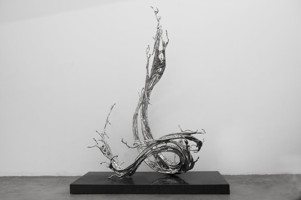 Zheng Lu   Wave,  2018 Stainless steel 120 x 85 x 175 cm Edition 1/4