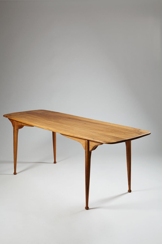 Peder Moos  Dining table Denmark, 1949 Solid walnut 72,5 x 193 x 69 cm