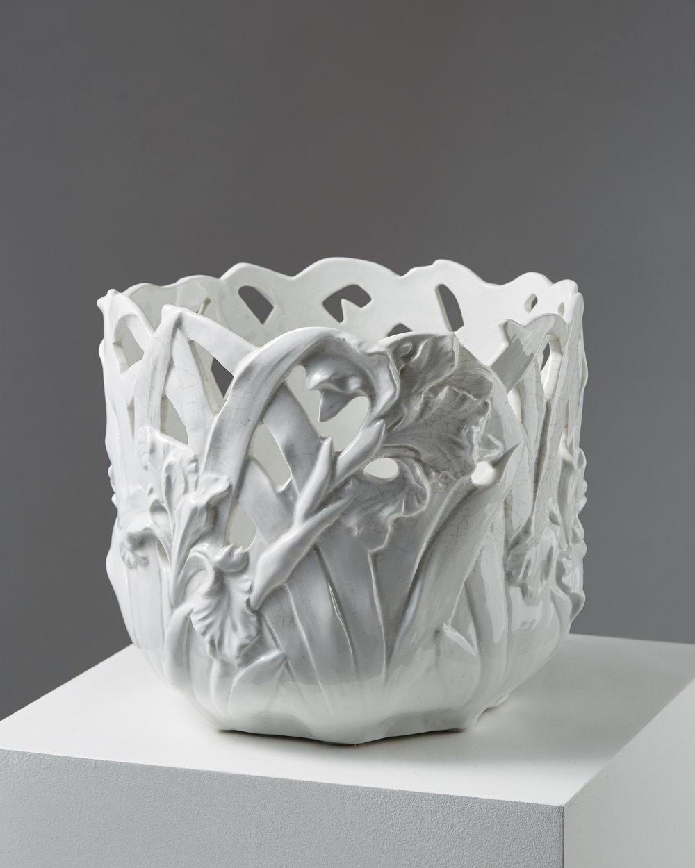 Gunnar Wennerberg  Flower pot Sweden, early 1900's Stoneware. 27 x 30 cm