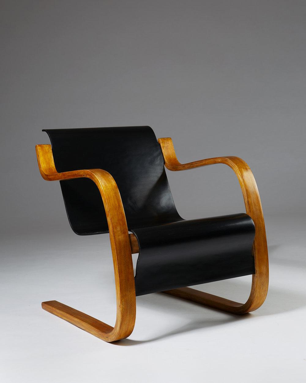 Alvar Aalto  Armchair 'Little Paimio' model number 42 Finland, 1930's Laminated birch. 69,5 x 61,5 x 73 cm Seat: 38 cm