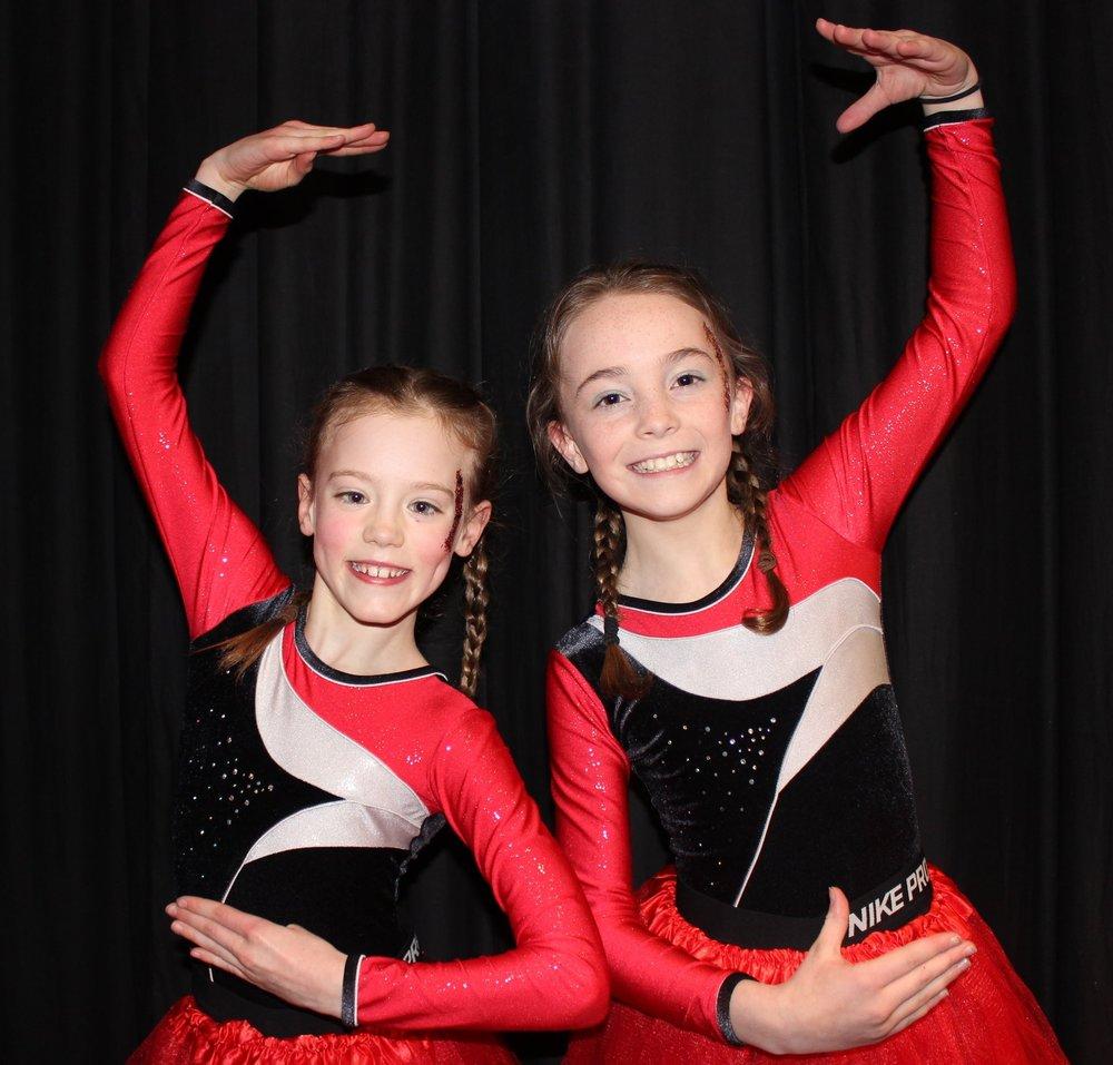 Hali Rae Morris & Evie Hammonds, Edw Valley YFC