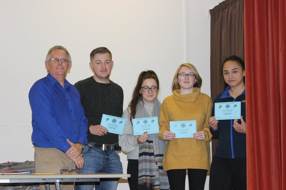 2nd Place Quiz team Howey YFC with Quiz Master Michael Powell.