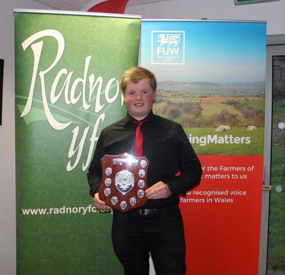 Mark Nixon, Edw Valley YFC winning the Agridata Shield for best individual in the Intermediate Brainstrust.
