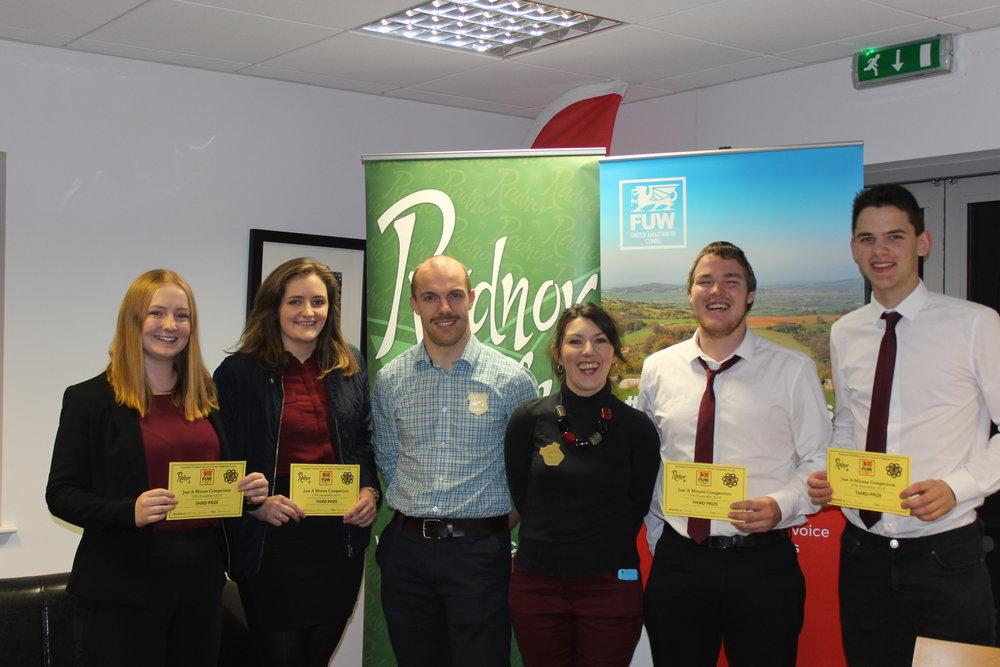 Lauren Jones, Carys Powell, James Griffiths & Dan Powell, Penybont YFC with their 3rd place certificates and judges Mark Davies & Katie Davies.