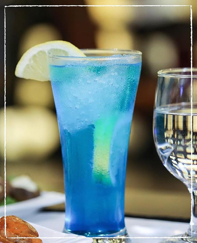 Beat the summer heat with our collection of specialty drinks! #mocktails #cutssteakhouse #kuwait #q8restaurant #restaurant #foodie
