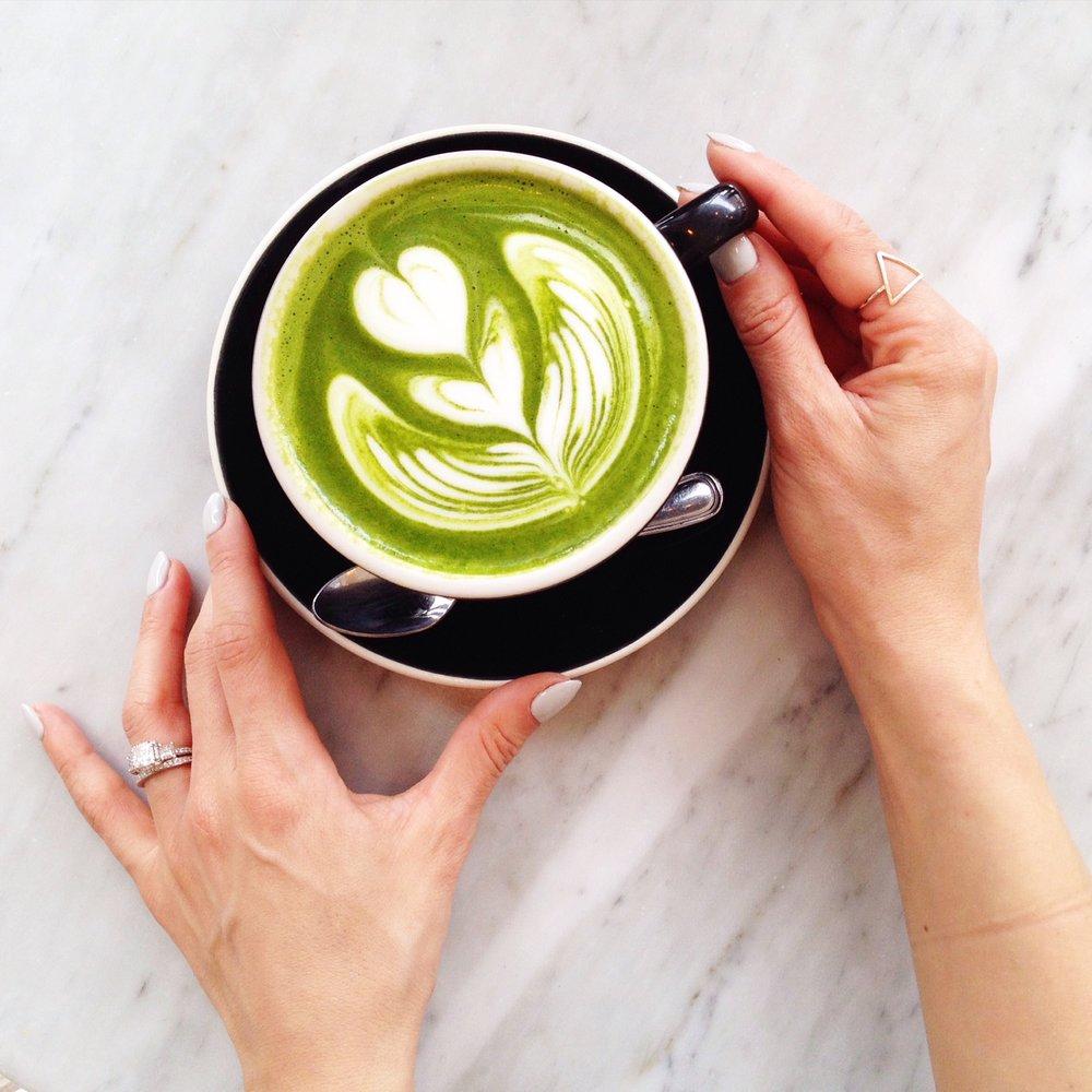 joelle-anello-la-petite-noob-matcha-latte-recipe.jpg