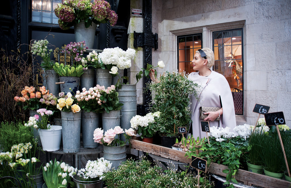 janette-ewen-at-flower-shop.jpg